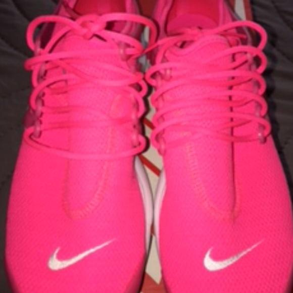 san francisco 3e433 87bcb Hot Women s Pink Nike Air Presto sneakers NWOT. M 5ab1d75f61ca109370448217